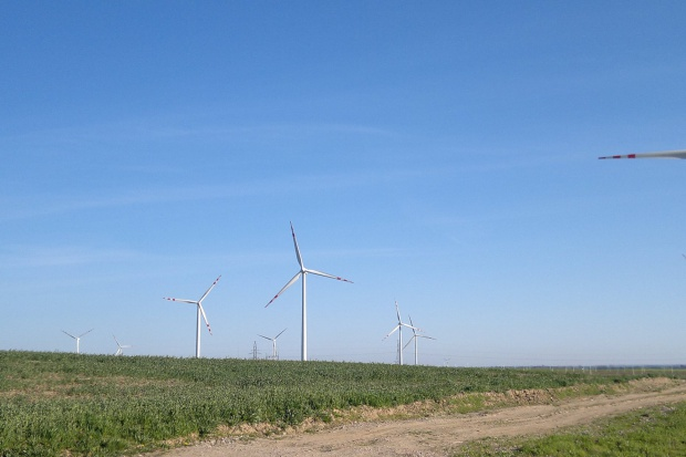 Energa odpisała 247 mln zł przez ustawę wiatrakową