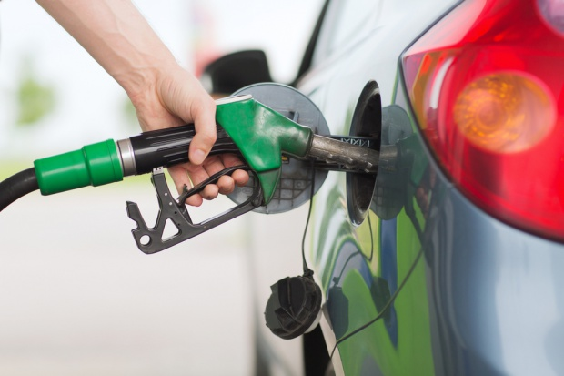 LPG najdroższy od lutego, benzyna i olej tanieją