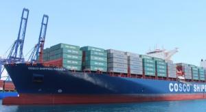 Chiński kontenerowiec zainaugurował poszerzony Kanał Panamski