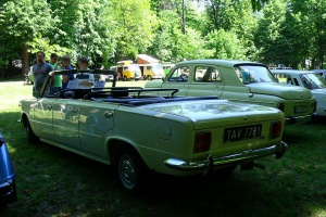 Polski Fiat 125p Long Cabrio z 1974 roku. Fot. Kentucky/wikimedia, licencja CC BY-SA 3.0