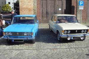 """Polski Fiat 125p był obok popularnego """"malucha"""" (Polski Fiat 126p) jednym z dwóch samochodów, które w latach 70. i 80. XX wieku dominowały na polskich drogach.  Fot. Plushy /wikimedia, licencja CC BY 3.0"""