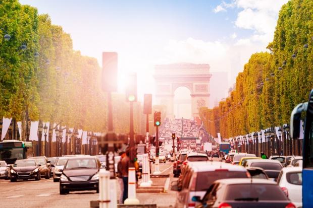 Francuski rząd premiami zachęci do wymiany samochodów i ocieplania domów
