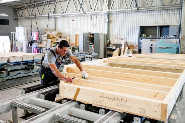Lasy Państwowe stawiają na budownictwo drewniane