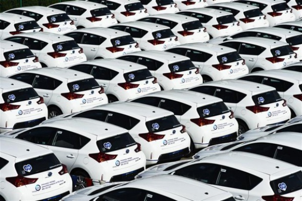 Przedwakacyjne zakupy nowych aut ożywiły półrocze