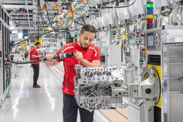 Porsche otwiera nową fabrykę silników V8