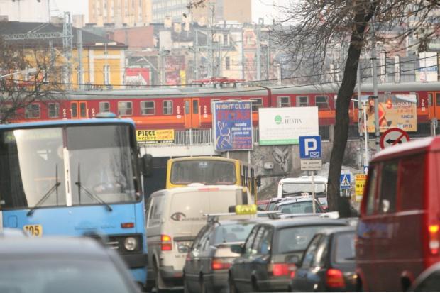 Wzrost liczby aut w Polsce jedną z głównych przyczyn smogu