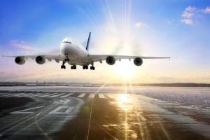 Kolizja samolotu z samochodem na lotnisku w Los Angeles