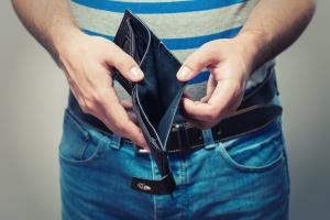 Polacy oszczędzają bez przyjemności