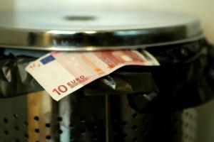 Tak 16 mld euro co roku ląduje w koszu