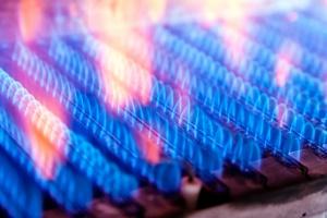 Koszty ogrzewania gazem spadają, niedługo dogonią węglowe