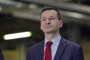 """Morawiecki: możliwe """"dostosowanie"""" podatków bankowego i handlowego w 2017 r."""