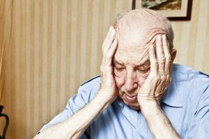 Seniorzy coraz bardziej zadłużeni. Średni dług to 12,3 tys. zł
