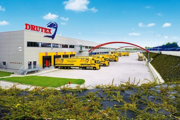 Drutex rozbudował zakład i zatrudni kilkaset osób