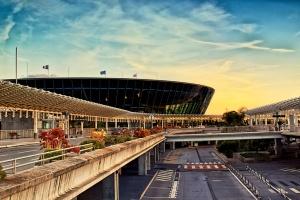 Ewakuacja lotniska w Nicei