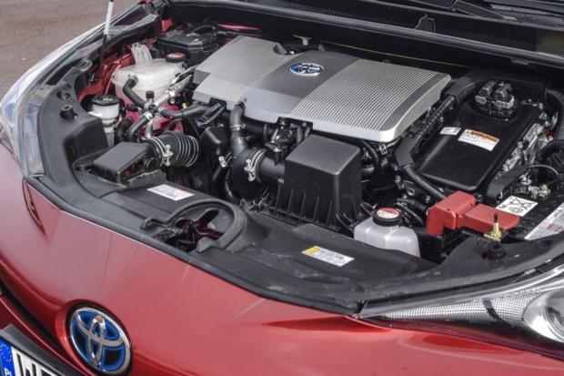 Niemal co trzecia sprzedana Toyota jest hybrydą