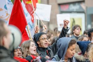 250 tysięcy ludzi protestowało przeciwko polityce Macrona