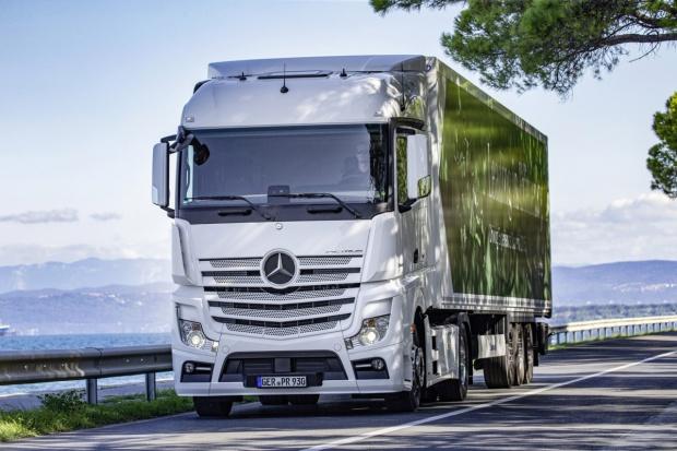 Najnowsze silniki Mercedes-Benz a paliwa alternatywne