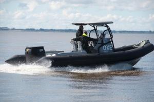 Opel wypływa w morze