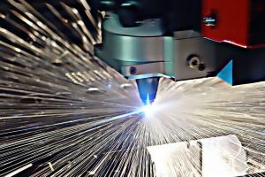 Produkcja przemysłowa zaliczyła wzrost ze spadkiem