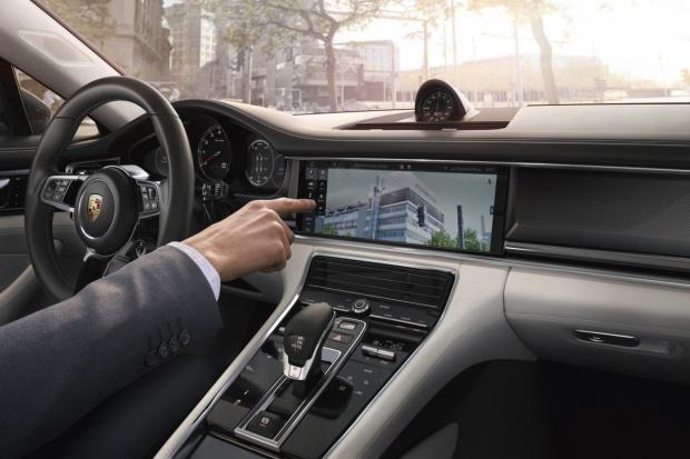 Nowy wymiar komunikacji w Porsche Connect
