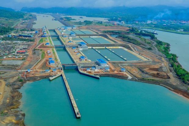 Poszerzenie Kanału Panamskiego przynosi efekty