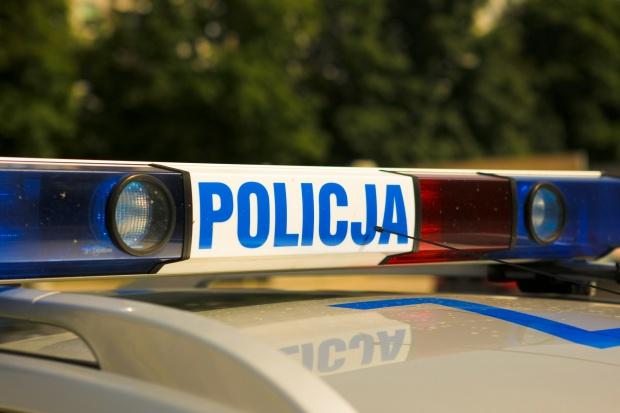 Policja przypomina, jak mogą poruszać się pojazdy uprzywilejowane i kolumny