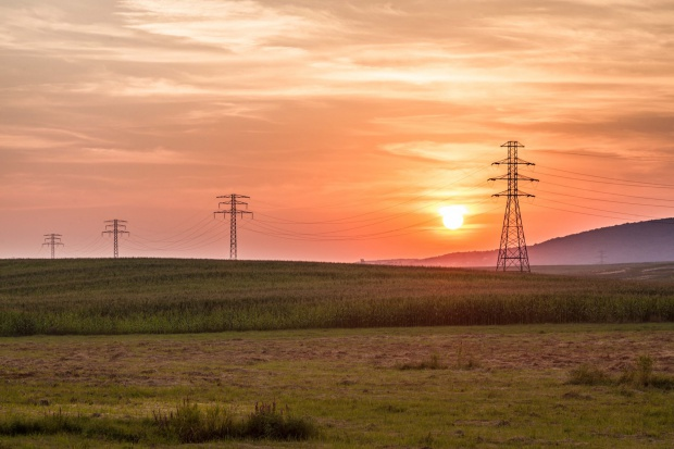 Ograniczenia w poborze energii. Czego uczy sierpień 2015 ?