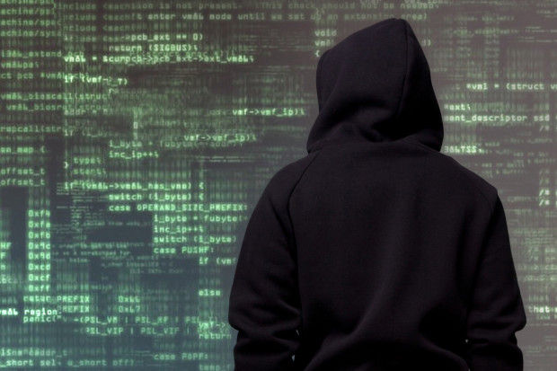 Brytyjskie władze ostrzegają lotniska i elektrownie jądrowe przed cyberatakami