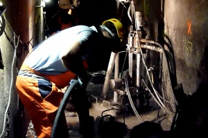 Modernizacja zapory w Przeczycach - najtrudniejsze obecnie w Polsce prace w sztolni