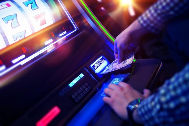 Wiceminister finansów: od kwietnia zajęto ponad 3 tys. automatów do gier
