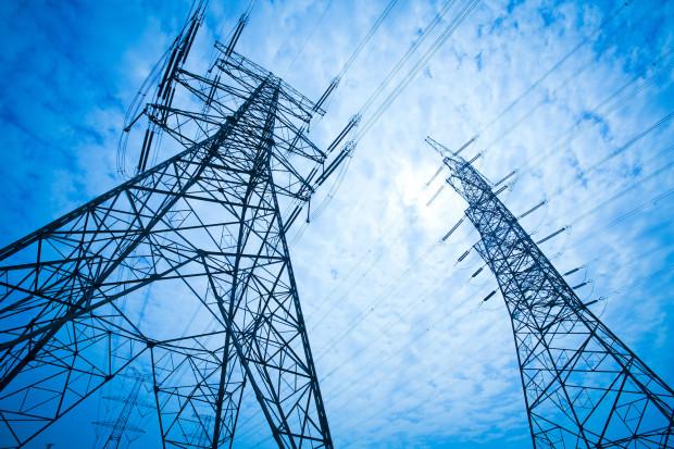Gazociągi i linie energetyczne pod wpływem silnych napięć