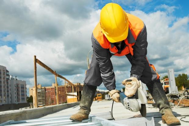 Firmy budowlane zatrudniają, ale nie inwestują