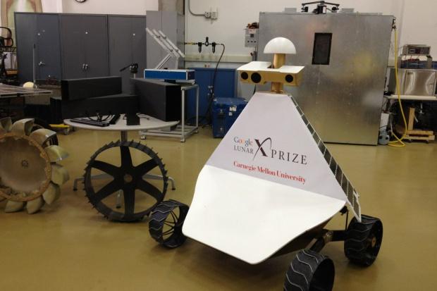 Suzuki w konkursie Google'a. Celem wysłania łazika na Księżyc