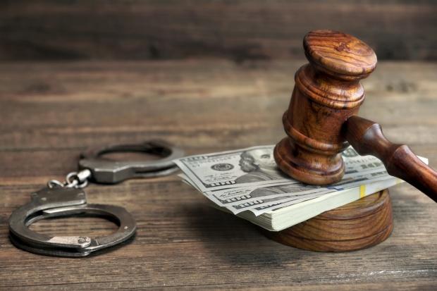 Prokuratura chce aresztu dla czterech zatrzymanych ws. korupcji w Elektrowni Dolna Odra