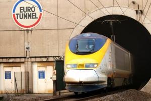 Wznowiono ruch pociągów w tunelu pod kanałem La Manche