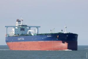 Olbrzymi tankowiec zmierza do Naftoportu