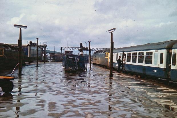 """Brytyjskie pociągi pasażerskie przejmują rynek """"pilnych"""" przesyłek"""