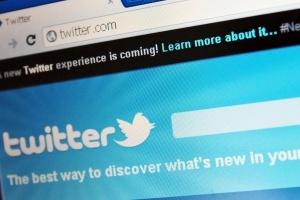 Brytyjski protest przeciw ograniczeniu przez Twittera dostępu do danych
