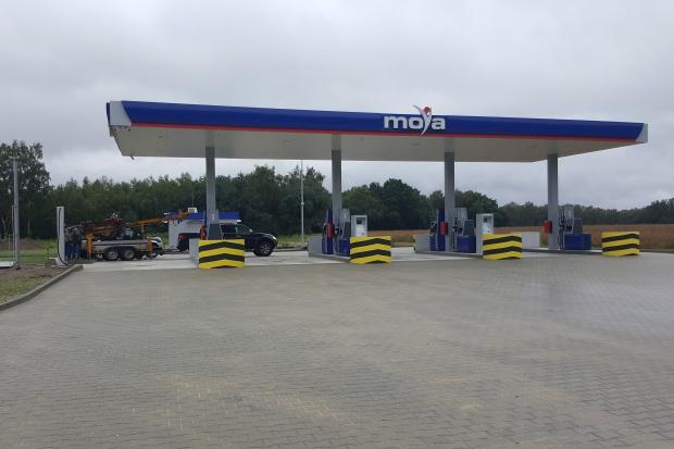 Automatyczna stacja Moya przy autostradzie A1