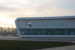 Bezpieczniej na lubelskim lotnisku dzięki ILS wyższej kategorii
