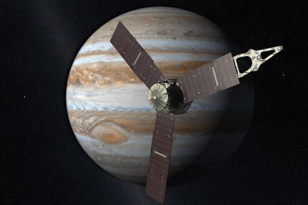 Sonda Juno po raz pierwszy zbliżyła się do Jowisza