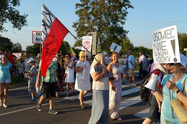 Protestujący przeciwko kontrowersyjnej linii energetycznej zapowiadają zaostrzenie działań