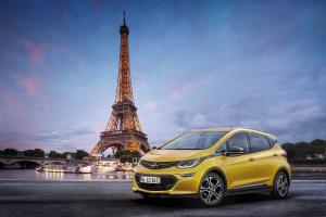 Opel pokaże w Paryżu elektryczną Amperę-e