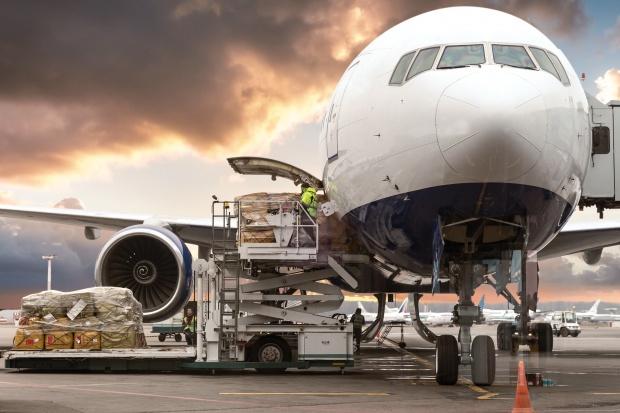 Cena frachtu lotniczego rośnie, ale nie odrabia strat
