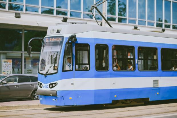 Bezpłatne Wi-Fi na 40 przystankach miejskich w Krakowie