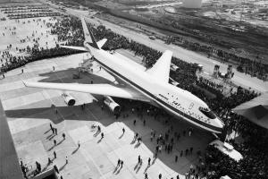 Zmarł ojciec rewolucji w komunikacji lotniczej, twórca Boeinga B747