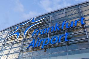 Wielkie europejskie lotnisko odwołuje loty przez śnieg