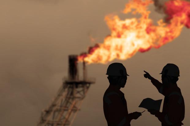 Francja planuje do 2040 roku zaprzestać wydobycia ropy i gazu