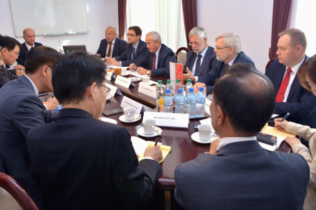 Tchórzewski: Polska chce współpracować z Koreą w projektach energetycznych