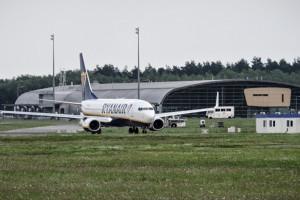 UOKiK bada skargę PLL LOT w sprawie lotniska Modlin